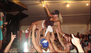South Africa's hottest supermodel stagediving to the LYs